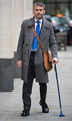 © Licensed to London News Pictures. 25/10/2017. London, UK. Former Phone-hacking victims' lawyer MARK LEWIS arrives at the High Court in London where  claims he is owed over £1m by his former firm, Taylor Hampton.  Lewis is is suing his former employer over £1m in alleged unpaid fees. Photo credit: Ben Cawthra/LNP