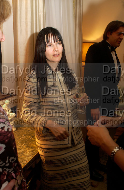 Gillian Wearing, Dinner at the Italian Embassy in which the winner of the MaxMara Art Prize for Women is announced. Grosvenor Sq. London . 2 February  2006. © Copyright Photograph by Dafydd Jones 66 Stockwell Park Rd. London SW9 0DA Tel 020 7733 0108 www.dafjones.com