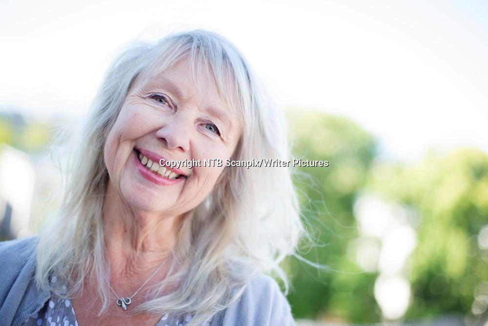 Oslo  20150518.<br /> Forfatter Marianne Fastvold har skrevet boka &quot;Cocktaileffekten&quot; som handler om et viltert familieliv, med barn, svigerbarn og barnebarn.<br /> Foto: H&Acirc;kon Mosvold Larsen / NTB scanpix<br /> <br /> NTB Scanpix/Writer Pictures<br /> <br /> WORLD RIGHTS, DIRECT SALES ONLY, NO AGENCY