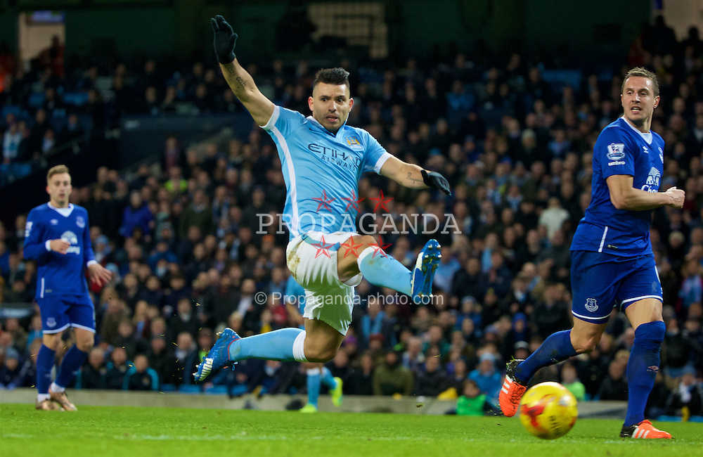 MANCHESTER, ENGLAND - Wednesday, January 27, 2016: Manchester City's Sergio Aguero in action against Everton during the Football League Cup Semi-Final 2nd Leg match at the City of Manchester Stadium. (Pic by David Rawcliffe/Propaganda)