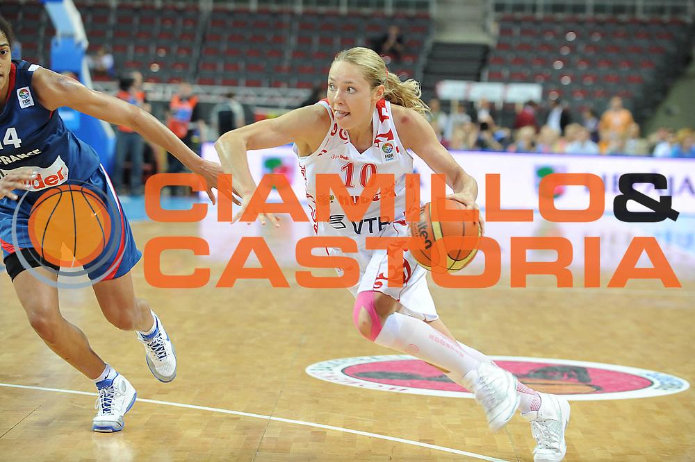 DESCRIZIONE : Riga Latvia Lettonia Eurobasket Women 2009 Final Russia Francia Russia France<br /> GIOCATORE : Ilona Korstin<br /> SQUADRA : Russia Russia<br /> EVENTO : Eurobasket Women 2009 Campionati Europei Donne 2009 <br /> GARA : Russia Francia Russia France<br /> DATA : 20/06/2009 <br /> CATEGORIA : penetrazione<br /> SPORT : Pallacanestro <br /> AUTORE : Agenzia Ciamillo-Castoria/E.Castoria<br /> Galleria : Eurobasket Women 2009 <br /> Fotonotizia : Riga Latvia Lettonia Eurobasket Women 2009 Final Russia Francia Russia France<br /> Predefinita :