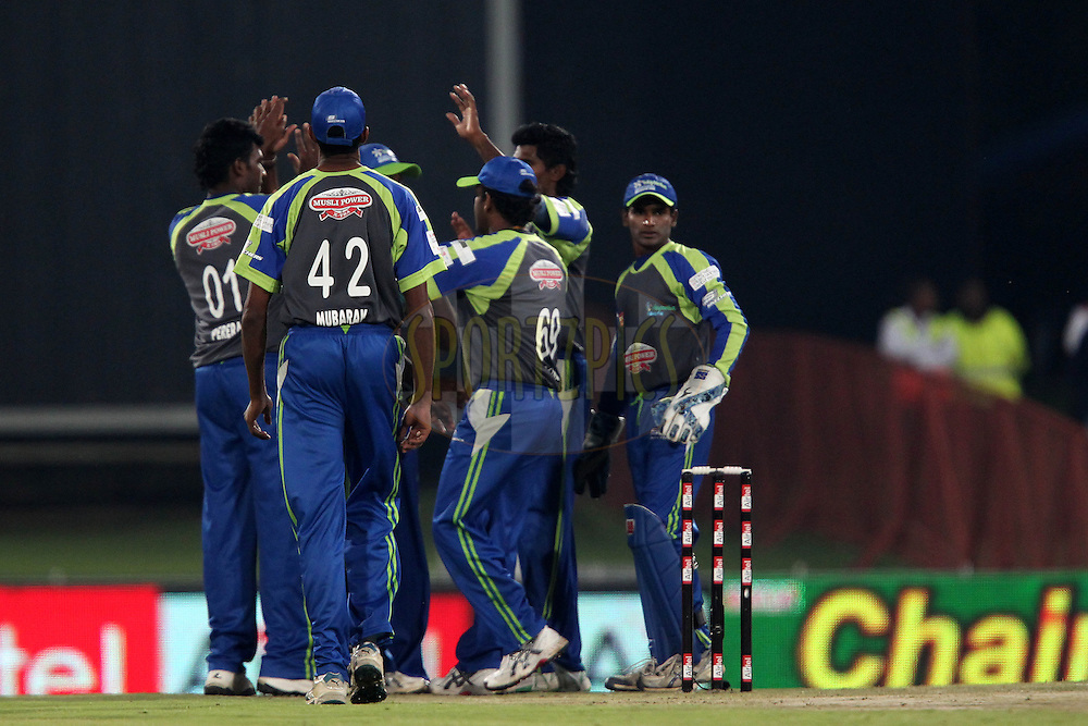 Wayamba celebrate the wicket of Bradley Hodge of the Victorian Bushrangers during match 16 of the Airtel CLT20 held between the Victorian Bushrangers and the Wayamba Elevens at Supersport Park in Centurion on the 20 September 2010..Photo by: Ron Gaunt/SPORTZPICS/CLT20