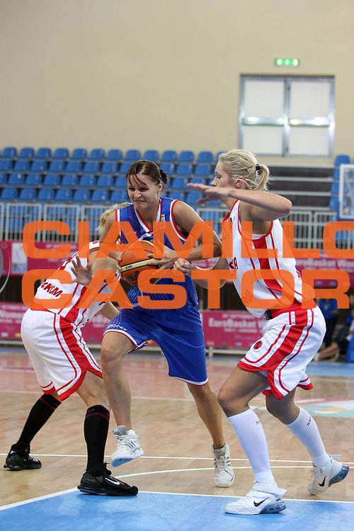 DESCRIZIONE : Lanciano Italy Italia Eurobasket Women 2007 Additional Qualifying Tournament Slovak Republic Poland Slovacchia Polonia<br /> GIOCATORE : Lucia Kupcikova<br /> SQUADRA : Slovak Republic Slovacchia<br /> EVENTO : Eurobasket Women 2007 Campionati Europei Donne 2007<br /> GARA : Slovak Republic Poland Slovacchia Polonia<br /> DATA : 21/09/2007<br /> CATEGORIA : Penetrazione<br /> SPORT : Pallacanestro <br /> AUTORE : Agenzia Ciamillo-Castoria/E.Castoria <br /> Galleria : Eurobasket Women 2007<br /> Fotonotizia : Lanciano Italy Italia Eurobasket Women 2007 Additional Qualifying Tournament Slovak Republic Poland Slovacchia Polonia<br /> Predefinita :