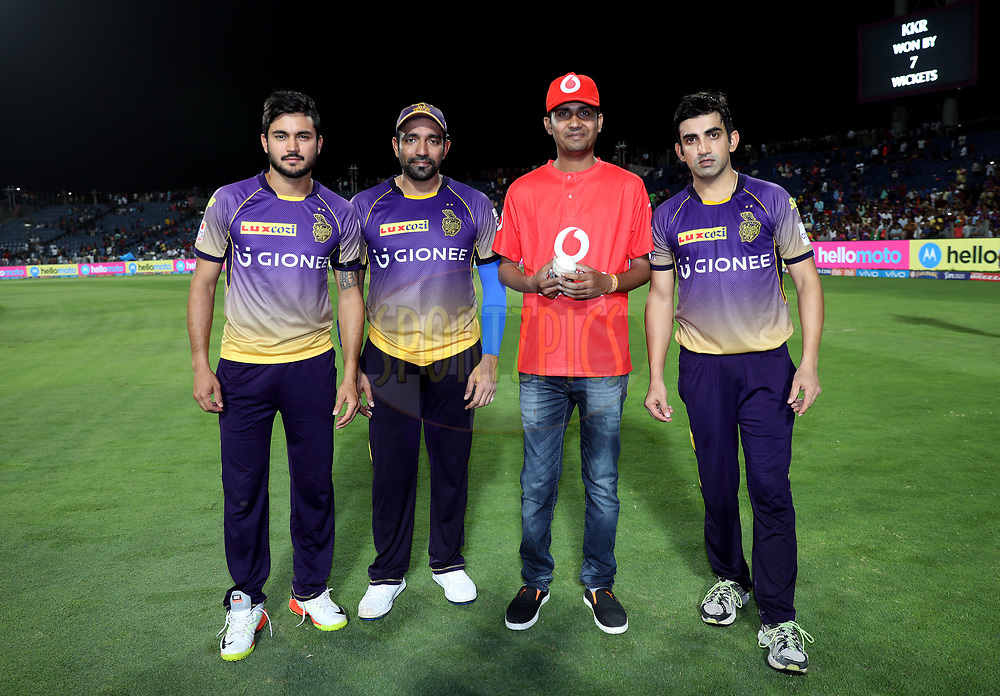 (L TO R)Manish Pandey of the Kolkata Knight Riders, Robin Uthappa of the Kolkata Knight Riders , Vodafone Fan and Kolkata Knight Riders captain Gautam Gambhir during the presentation of the match 30 of the Vivo 2017 Indian Premier League between the Rising Pune Supergiants and the Kolkata Knight Riders  held at the MCA Pune International Cricket Stadium in Pune, India on the 26th April 2017<br /> <br /> Photo by Sandeep Shetty - Sportzpics - IPL