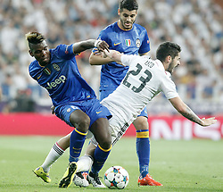 13.05.2015, Estadio Santiago Bernabeu, Madrid, ESP, UEFA CL, Real Madrid vs Juventus Turin, Halbfinale, R&uuml;ckspiel, im Bild Real Madrid's Isco (r) and Juventus' Paul Pogba (l) and Alvaro Morata // during the UEFA Champions League semi finals 2nd Leg match between Real Madrid CF and Juventus FC at the Estadio Santiago Bernabeu in Madrid, Spain on 2015/05/13. EXPA Pictures &copy; 2015, PhotoCredit: EXPA/ Alterphotos/ Acero<br /> <br /> *****ATTENTION - OUT of ESP, SUI*****
