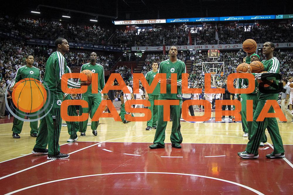 DESCRIZIONE : Milano Nba Europe Live Tour 2012 Ea7 Emporio Armani Milano Boston Celtics<br /> GIOCATORE : Boston Celtics<br /> CATEGORIA : pre game<br /> SQUADRA : Boston Celtics<br /> EVENTO : Campionato Lega A 2012-2013<br /> GARA : Ea7 Emporio Armani Milano Boston Celtics<br /> DATA : 07/10/2012<br /> SPORT : Pallacanestro <br /> AUTORE : Agenzia Ciamillo-Castoria/A.Catellani<br /> Galleria : Lega Basket A 2012-2013  <br /> Fotonotizia : Milano Nba Europe Live Tour 2012 Ea7 Emporio Armani Milano Boston Celtics<br /> Predefinita :