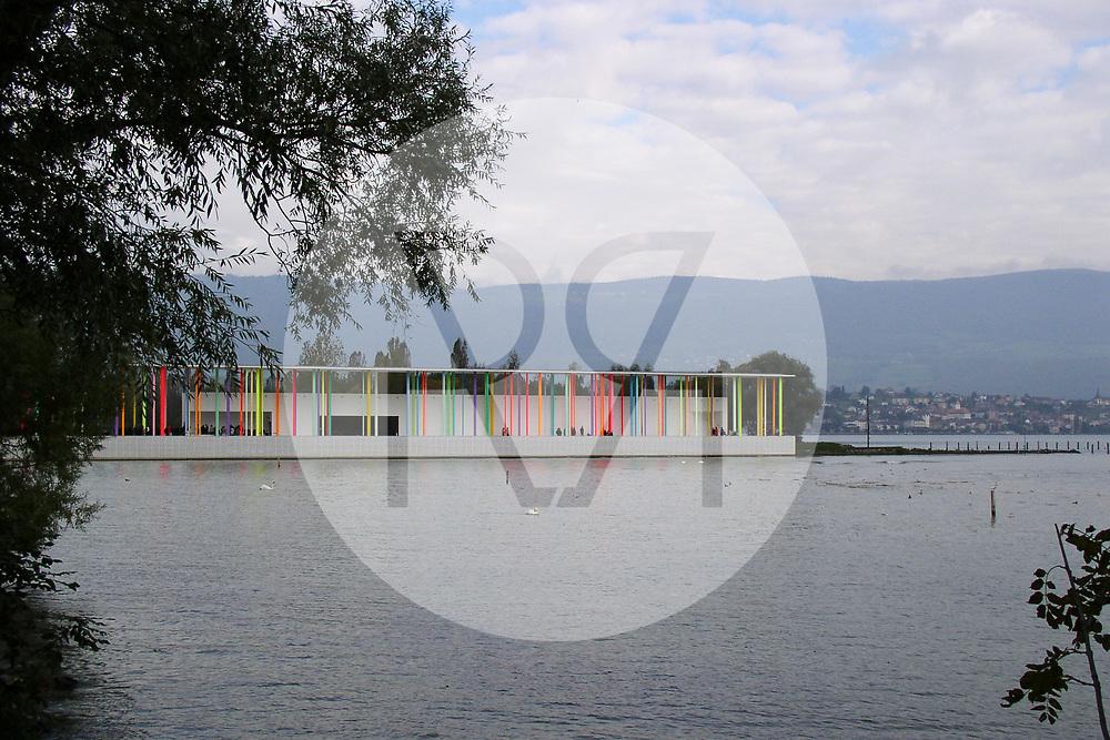 SCHWEIZ - YVERDON-VES-BAINS - Expo.02 Artenlage Yverdon-les-Bains, 6. Schweizer Landesausstellung - 12. Oktober 2002 © Raphael Hünerfauth - http://huenerfauth.ch