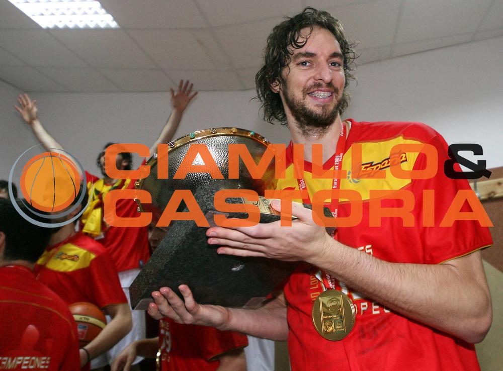 DESCRIZIONE : Katowice Poland Polonia Eurobasket Men 2009 Finale 1 2 posto Final 1st 2nd place Spagna Spain Serbia<br /> GIOCATORE : Pau Gasol<br /> SQUADRA : Spagna Spain<br /> EVENTO : Eurobasket Men 2009<br /> GARA : Spagna Spain Serbia<br /> DATA : 20/09/2009 <br /> CATEGORIA : esultanza<br /> SPORT : Pallacanestro <br /> AUTORE : Agenzia Ciamillo-Castoria/A.Vlachos<br /> Galleria : Eurobasket Men 2009 <br /> Fotonotizia : Katowice  Poland Polonia Eurobasket Men 2009 Finale 1 2 posto Final 1st 2nd place Spagna Spain Serbia<br /> Predefinita :