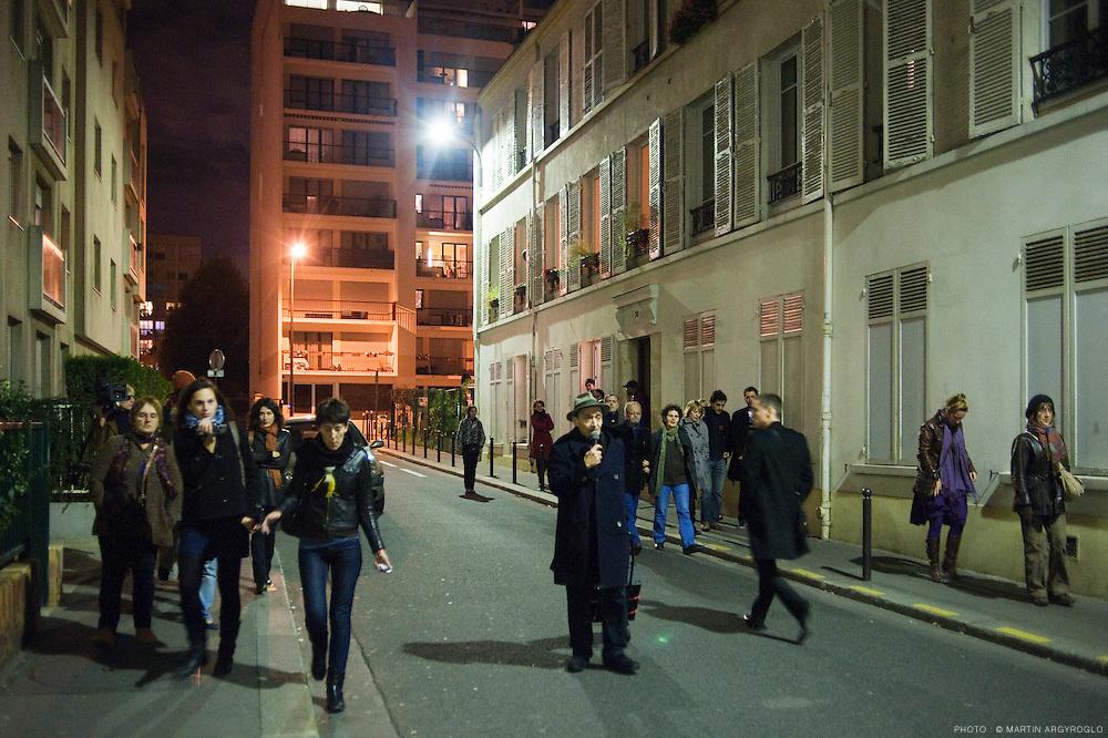 27 octobre > Présentation dans l'espace public de Capitalisme générique de Tania Bruguera / © Martin Argyroglo