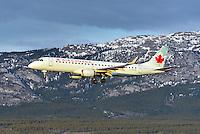Air Canada Embraer 190 landing into the sun