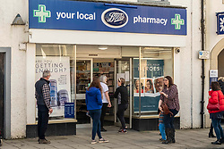 The county town of Peebles is taking no chances with the Coronavirus with shops taking their own decisions on the numbers of customers permitted at any one time; chemists, butchers and fishmongers limiting the number to four.