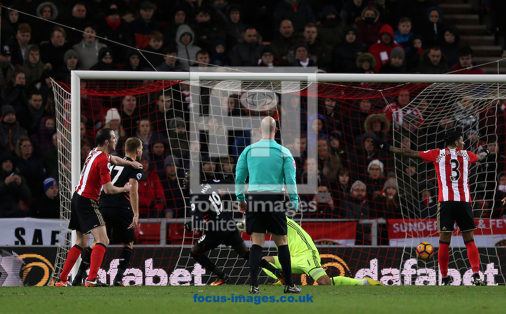 Sadio Mane of Liverpool puts his side 2-1 up during the Premier League match at the Stadium Of Light, Sunderland<br /> Picture by Christopher Booth/Focus Images Ltd 07711958291<br /> 02/01/2017