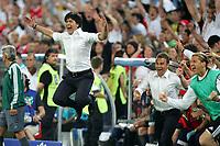 Fotball<br /> 25.06.2008<br /> Euro 2008<br /> Semifinale Tyskland v Tyrkia<br /> Foto: DPPI/Digitalsport<br /> NORWAY ONLY<br /> <br /> FOOTBALL - EURO 2008 - SEMI FINAL - GERMANY v TURKEY - 25/06/2008 - JOY JOACHIM LOW (GERMANY COACH) AT THE END OF MATCH