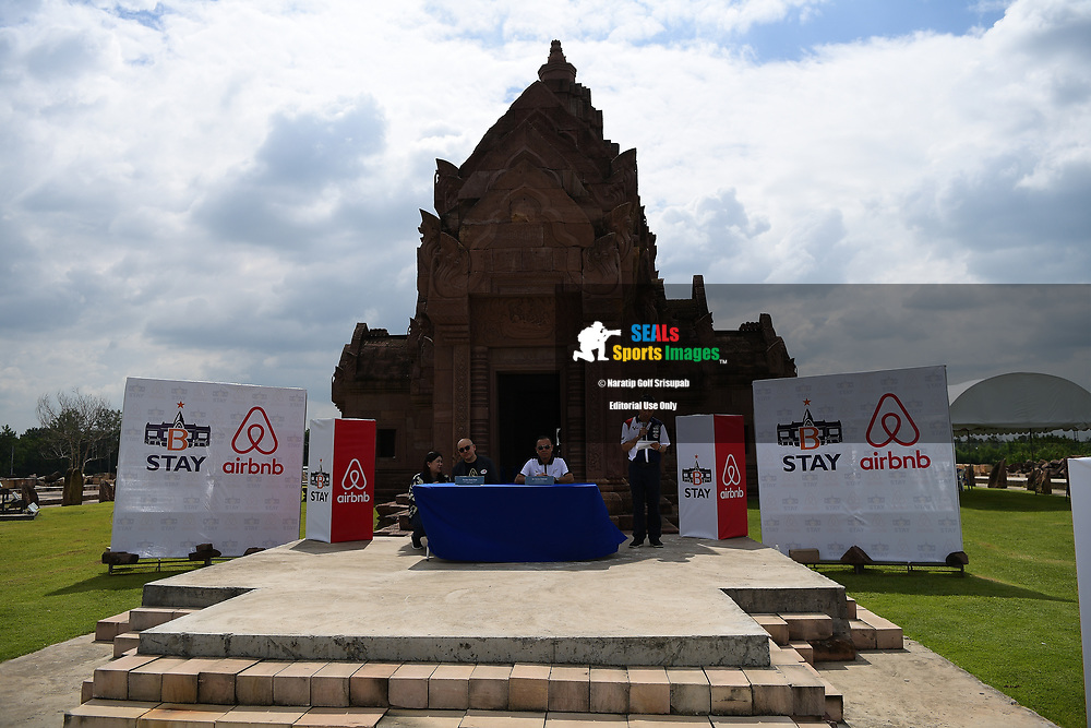 BURIRAM, THAILAND - OCTOBER 04: Mr. Siew Khun Hong (L) of Airbnb Regional Director for Asia Pacific and Mr. Newin Chidchob (R) Chairman of the Board of Siva Bana Company Ltd., which manages B-STAY during the partnership signing at the Pre-Event of the MotoGP PTT Thailand Grand Prix 2018, Chang International Circuit, Buriram, Thailand on October 04, 2018. <br /> .<br /> .<br /> .<br /> (Photo by: Naratip Golf Srisupab/SEALs Sports Images)<br /> .<br /> Any image use must include a mandatory credit line adjacent to the content which should read: Naratip Golf Srisupab/SEALs Sports Images
