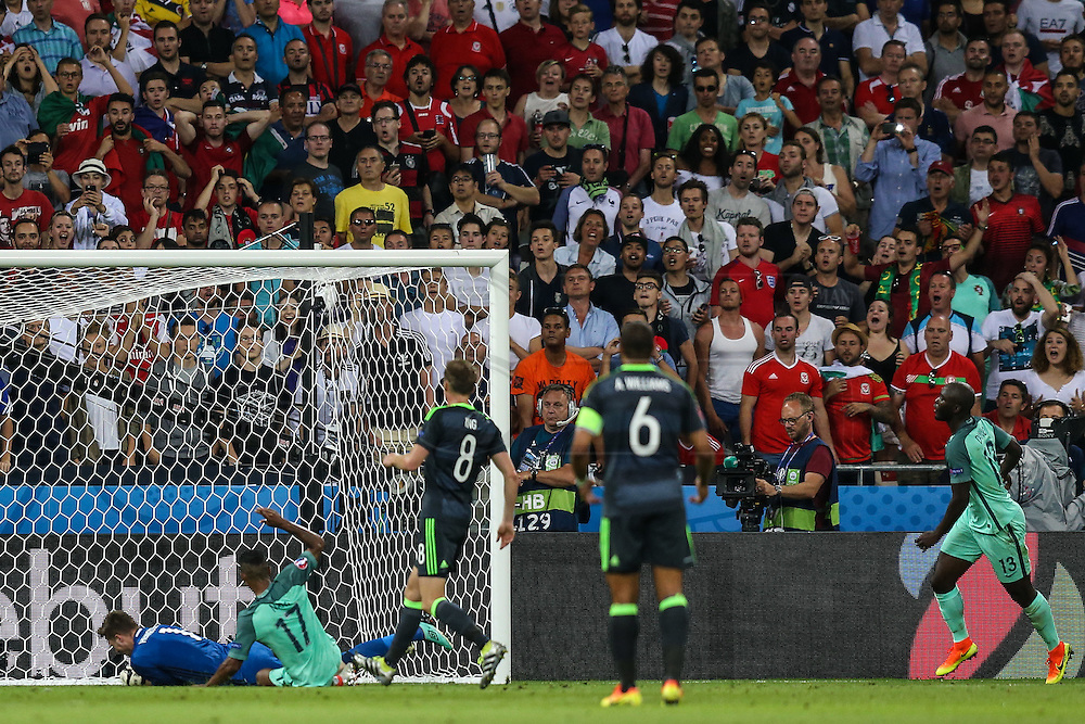 LYON, FRANCE, 07.06.2016 - PORTUGAL- WALES - Nani from Portugal in match against Wales, valid for the semi-finals of Euro 2016 at the Grand Stade de Decines-Charpieu near Lyon, France, on this Wednesday ( 6).