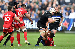 Dave Attwood of Bath Rugby takes on the Toulouse defence - Mandatory byline: Patrick Khachfe/JMP - 07966 386802 - 13/10/2018 - RUGBY UNION - The Recreation Ground - Bath, England - Bath Rugby v Toulouse - Heineken Champions Cup