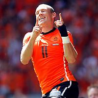 Fotball<br /> Nederland v Ungarn<br /> Foto: Proshots/Digitalsport<br /> NORWAY ONLY<br /> <br /> seizoen 2009 / 2010 , amsterdam 05-06-2010 oefeninterland nederland - hongarije arjen robben na de 3-1