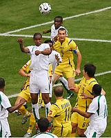 v.l. Redha Tukar Andriy Shevchenko Ukraine<br /> Fussball WM 2006 Saudi-Arabien - Ukraine<br /> Saudi-Arabia - Ukraina <br /> Norway only