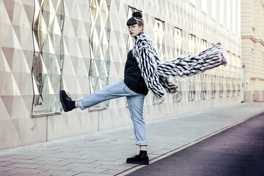 Asos Coat Black and White by Munich Fashion Fotograf Kpaou Kondodji