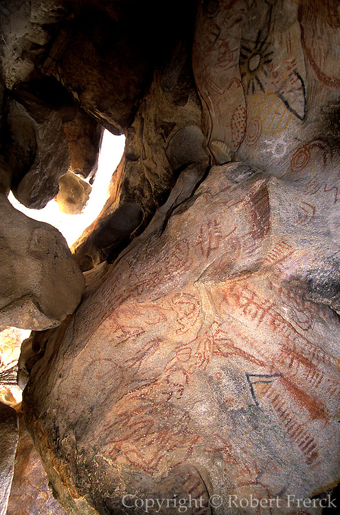 MEXICO, BAJA CALIFORNIA Central Desert with Paleolithic rock art