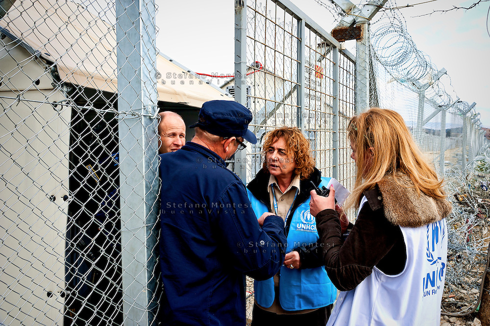 Alessandra Morelli,Senior Operations Coordinator in Greece for United Nations High Commissioner for Refugees on the border with Macedonia during a meeting with the Macedonian border police 8 Febraury 2016.<br />