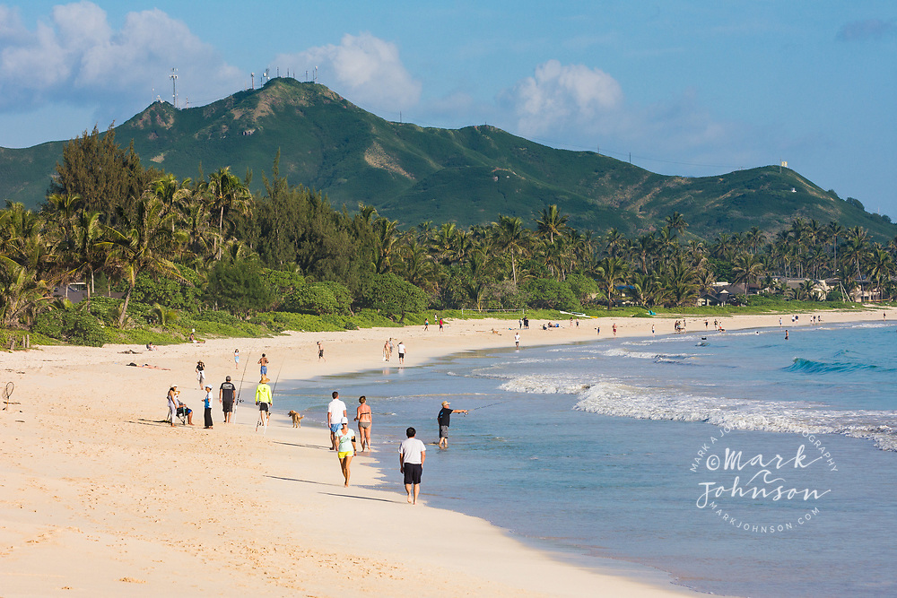 People on the shores of Kailua Beach, Kailua Bay, Oahu, Hawaii