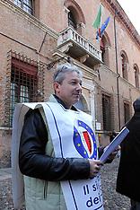 20120320 MANIFESTAZIONE FORZE DELL'ORDINE DAVANTI ALLA PREFETTURA