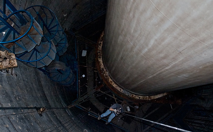 The Secret 10-Story Space Rocket Buried in the Swamps of Florida<br /> <br /> Sitting in a huge hole in the ground in the swampy Florida Everglades is the largest solid rocket booster ever built. Standing 10 stories tall and about 20 feet wide, the rocket was originally intended to carry men to the moon. Aerojet-General reportedly built the rocket manufacturing plant in 1963, hoping to build solid fuel rockets for the Apollo moon mission. In the end, NASA chose liquid fueled Saturn rockets and Aeroject never got the contract. The site was abandoned in 1969, along with the rocket in its 150-foot deep testing silo, where it has remained for more than 40 years.<br /> (Credit Image: &copy; Fred Szabries/Exclusivepix)