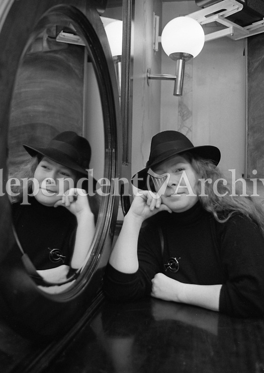 293-527<br /> Singer Dolores Keane pictured at the Harcourt Hotel, Harcourt St.on February 23, 1993. (Part of Independent Newspapers Ireland/NLI Collection)