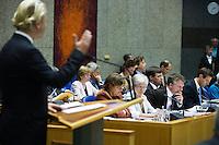 Nederland. Den Haag, 19 juni 2007.<br /> Fractievoorzitter Geert Wilders (PVV) aan het woord.<br /> Debat in de Tweede kamer inzake het beleidsprogramma van het vierde kabinet Balkenende. De fractievoorzitters in de Tweede Kamer debatteren met premier Balkenende over het op donderdag 14 juni 2007 gepresenteerde beleidsprogramma van het kabinet Balkenende IV. ( vier / 4 ) Het definitieve beleidsprogramma van het kabinet, dat verder invulling geeft aan het regeerakkoord, Dit programma is gemaakt aan de hand van de honderd dagen die het kabinet in het land doorbracht.<br /> Foto Martijn Beekman <br /> NIET VOOR TROUW, AD, TELEGRAAF, NRC EN HET PAROOL