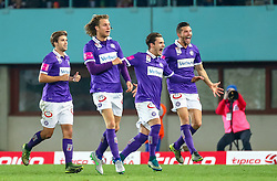 25.10.2015, Ernst Happel Stadion, Wien, AUT, 1. FBL, SK Rapid Wien vs FK Austria Wien, 13. Runde, im Bild Kevin Friesenbichler (FK Austria Wien), Lukas Rotpuller (FK Austria Wien), Christoph Martschinko (FK Austria Wien), Alexander Gorgon (FK Austria Wien) jubeln über das Tor zum 1:0// during Austrian Football Bundesliga 13th round match between SK Rapid Vienna and FK Austria Vienna at the Ernst Happel Stadion, Vienna, Austria on 2015/10/25, EXPA Pictures © 2015, PhotoCredit: EXPA/ Sebastian Pucher