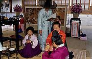 wedding ceremony with parents cérémonie du mariage ///R00029/8    L2685  /  R00029  /  P0002960