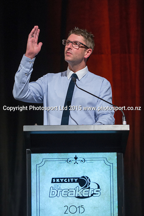 Club Chaplain Grant Harris says Grace at the SkyCity Breakers Awards, 2014-15, SkyCity Convention Centre, Auckland, New Zealand, Friday, March 20, 2015. Copyright photo: David Rowland / www.photosport.co.nz