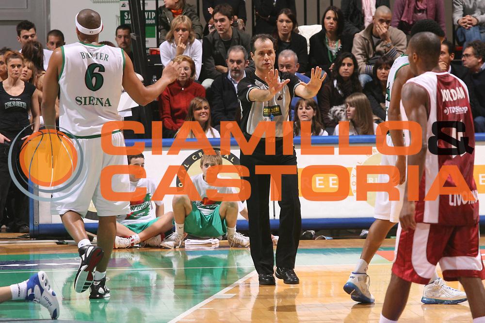 DESCRIZIONE : Siena Lega A1 2006-07 Montepaschi Siena Tdshop.it Livorno <br />GIOCATORE : Arbitro<br />SQUADRA : <br />EVENTO : Campionato Lega A1 2006-2007 <br />GARA : Montepaschi Siena Tdshop.it Livorno <br />DATA : 11/11/2006 <br />CATEGORIA : Arbitro<br />SPORT : Pallacanestro <br />AUTORE : Agenzia Ciamillo-Castoria/G.Ciamillo