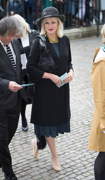 © Licensed to London News Pictures. 27/09/2016.  Joanna Lumley arrives for a Service of Thanksgiving for the Life and Work of Sir Terry Wogan at Westminster Abbey. Veteran broadcaster Sir Terry Wogan died in January 2016. The Irish star had a long and successful career at the BBC, including stints on  radio and TV. London, UK. Photo credit: Peter Macdiarmid/LNP