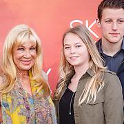 NLD/Amsterdam/20160403 - Premiere musical Sky, Mary Borsato en kleindochter