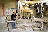 Nederland, Maastricht, 20041102.De laatste dag van de porseleinfabriek MOSA die al bestaat sinds 1883<br /> In 1996 splitste de porseleinafdeling zich af. Dit nieuwe bedrijf, Mosa Porselein NV, ging echter al in 2004 failliet. Daarop volgde een doorstart onder de naam Maastricht Porselein, met alleen de productie van gedecoreerd porselein.<br /> Werknemers bezig met de laatste productie<br /> <br /> Netherlands, Maastricht, 20041102.<br /> The last day of the porcelain factory MOSA which has existed since 1883<br /> In 1996, the porcelain department split off. This new company, Mosa porcelain SA, however, was already bankrupt in 2004. Then followed a restart under the name Maastricht Porcelain, with only the production of decorated porcelain.<br /> Employees working on the final production