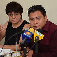 Toluca, México.- José Antonio Diaz, Presidente de la comisión Politica de Encuentro Social, durante conferencia de prensa, donde manifestaron su incoformidad contra la impletación de la Ley Atenco. Agencia MVT / Arturo Hernández.