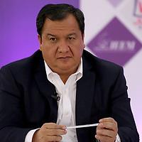 Toluca, México (Mayo 09, 2017).- Óscar González, Candidato del PT a la gubernatura del Edo Mex, durante el segundo debate en las instalaciones del IEEM. Agencia MVT / Especial IEEM.