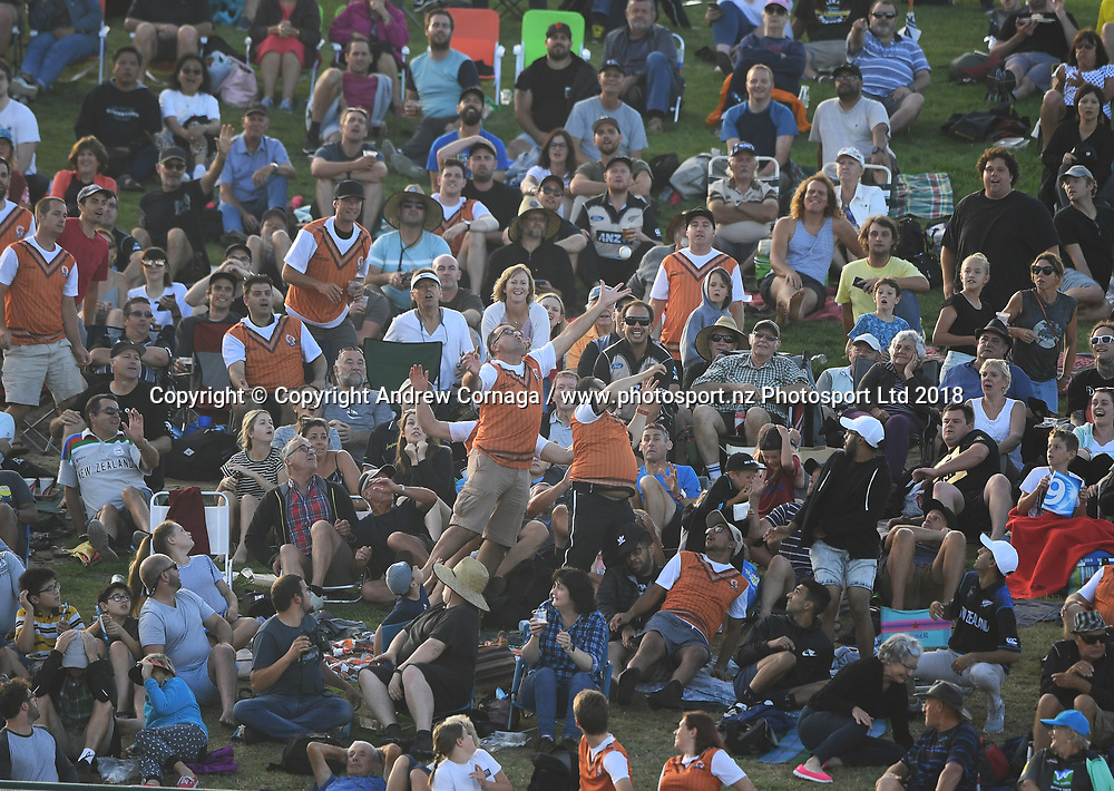 Tui catch a million promotion as fans try to catch a 6 with one hand. West Indies tour of New Zealand. International Twenty-20 Cricket. 3rd T20. Bay Oval, Tauranga, New Zealand. Wednesday 3 January 2018. © Copyright Photo: Andrew Cornaga / www.Photosport.nz