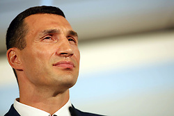 21.07.2015, Esprit Arena, Düsseldorf, GER, WBA Boxkampf, Wladimir Klitschko vs Tyson Fury, Pressekonferenz, im Bild Wladimir Klitschko // during a pressconference of the WBA fight between Wladimir Klitschko and Tyson Fury at Esprit Arena in Düsseldorf, Germany on 2015/07/21. EXPA Pictures © 2015, PhotoCredit: EXPA/ Eibner-Pressefoto/ Schueler<br /> <br /> *****ATTENTION - OUT of GER*****