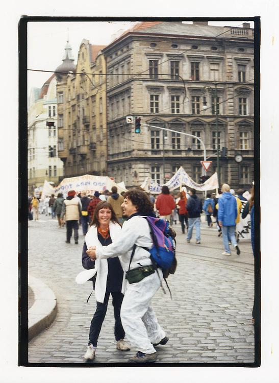 Manifestazioni contro il summit del Fondo Monetario Internazionale e della Banca Mondiale. Praga, settembre 2000. Tute bianche.