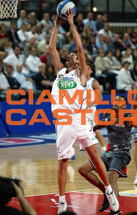 DESCRIZIONE : TORNEO DI RIMINI GIOCATORE : Marco Belinelli SQUADRA : FORTITUDO SKIPPER BOLOGNA DATA : 2010-01-06CATEGORIA : SPORT :  AUTORE : AGENZIA CIAMILLO & CASTORIA/G.Ciamillo