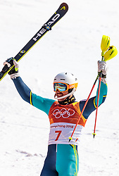 22.02.2018, Yongpyong Alpine Centre, Pyeongchang, KOR, PyeongChang 2018, Ski Alpin, Herren, Slalom, 2. Durchgang, im Bild Andre Myhrer (SWE, 1. Platz) // gold medalist and Olympic champion Andre Myhrer of Sweden reacts after the men's 2st run Slalom race of the Pyeongchang 2018 Winter Olympic Games at the Yongpyong Alpine Centre in Pyeongchang, South Korea on 2018/02/22. EXPA Pictures © 2018, PhotoCredit: EXPA/ Johann Groder
