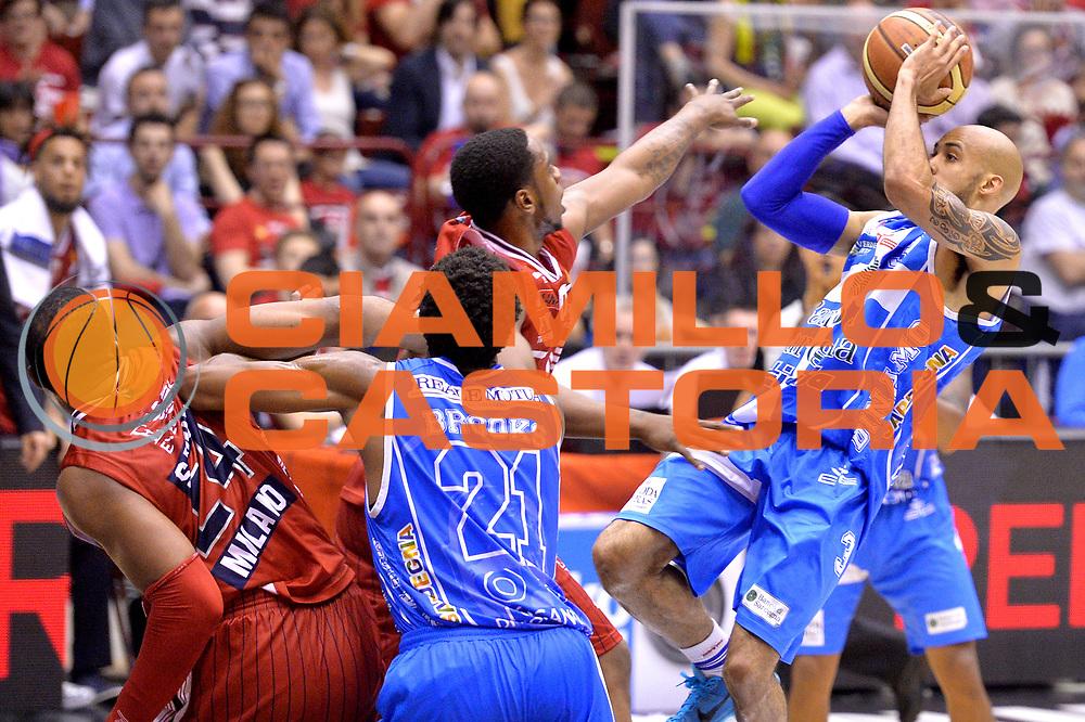 DESCRIZIONE : Milano Lega A 2014-15 EA7 Emporio Armani Milano vs Banco di Sardegna Sassari playoff Semifinale gara 1 <br /> GIOCATORE : Logan David<br /> CATEGORIA : Tiro Equilibrio<br /> SQUADRA : Banco di Sardegna Sassari<br /> EVENTO : PlayOff Semifinale gara 1<br /> GARA : EA7 Emporio Armani Milano vs Banco di Sardegna SassariPlayOff Semifinale Gara 1<br /> DATA : 29/05/2015 <br /> SPORT : Pallacanestro <br /> AUTORE : Agenzia Ciamillo-Castoria/Mancini Ivan<br /> Galleria : Lega Basket A 2014-2015 Fotonotizia : Milano Lega A 2014-15 EA7 Emporio Armani Milano vs Banco di Sardegna Sassari playoff Semifinale  gara 1 Predefinita :
