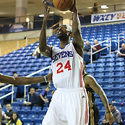 Delaware 87ers Forward Michael Lee (24)) drives towards the basket in the first half of a NBA D-league regular season basketball game between the Delaware 87ers (76ers) and the Erie BayHawks (Knicks) Tuesday, Feb. 11, 2014 at The Bob Carpenter Sports Convocation Center, Newark, DE