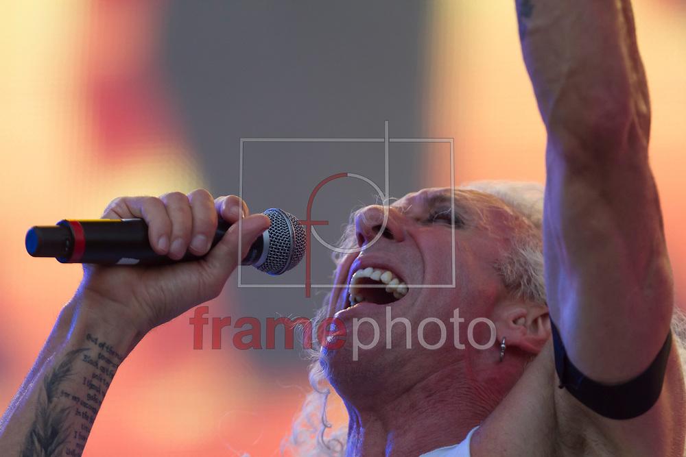 Dee Snider em show ANGRA + DEE SNIDER + DORO PESCH durante festival Rock in Rio 2015, realizado na Cidade do Rock, no bairro de Jacarepaguá, Rio de Janeiro, RJ. Foto: Ide Gomes / Frame