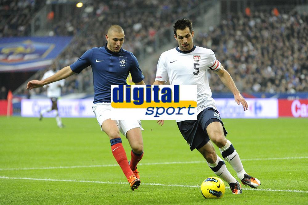 FOOTBALL - INTERNATIONAL FRIENDLY GAMES 2011/2012 - FRANCE v USA - 11/11/2011 - PHOTO JEAN MARIE HERVIO / DPPI - CARLOS BOCANEGRA (USA) / KARIM BENZEMA (FRA)