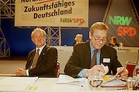 31 JAN 1998, DORTMUND/GERMANY:<br /> Johannes Rau, SPD, Ministerpr&auml;sident Nordrhein-Westfalen, und Wolfgang Clement, SPD, Wirtschaftsminister Nordrhein-Westfalen, auf dem Landesparteitag der SPD NRW<br /> IMAGE: 19980131-01/03-21