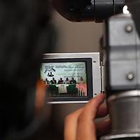 """Toluca, México.- La asociación civil """"Grandeza Mexicana"""", ofreció una conferencia de prensa para presentar el programa """"Transparencia Ciudadana 2011"""" en el cual participaran como observadores electorales en los comicios donde se elegirá gobernador del Estado de México el próximo 3 de julio. Agencia MVT / Arturo Rosales Chávez. (DIGITAL)"""